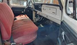 1975-Ford-F250-HighBoy-4x4-360ci-V8-11