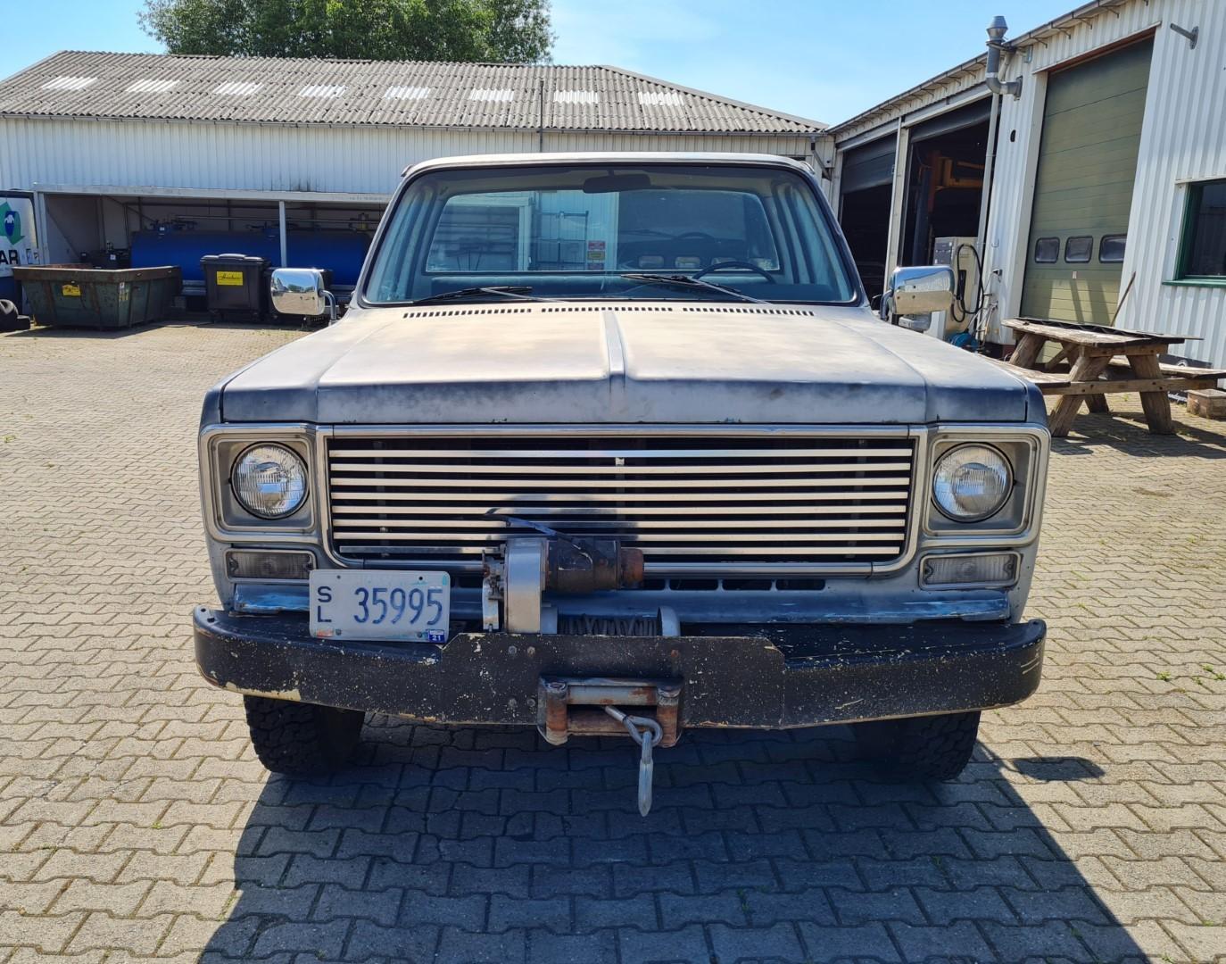 1975-GMC-K25-4x4-350ci-V8-9