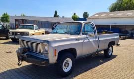 1975-GMC-K25-4x4-350ci-V8-1