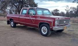 1976-Chevrolet-C30-Silverado-Camper-Special-crewcab-with-454ci-11