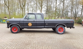 1976-Ford-F250-SuperCab-460ci-2