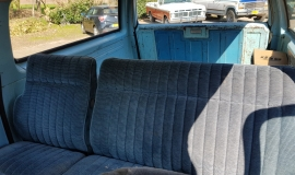 1976-GMC-25-Sierra-Classic-Suburban-454ci-V8-10