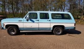1976-GMC-25-Sierra-Classic-Suburban-454ci-V8-2