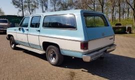 1976-GMC-25-Sierra-Classic-Suburban-454ci-V8-3