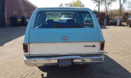 1976-GMC-25-Sierra-Classic-Suburban-454ci-V8-4