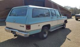 1976-GMC-25-Sierra-Classic-Suburban-454ci-V8-5