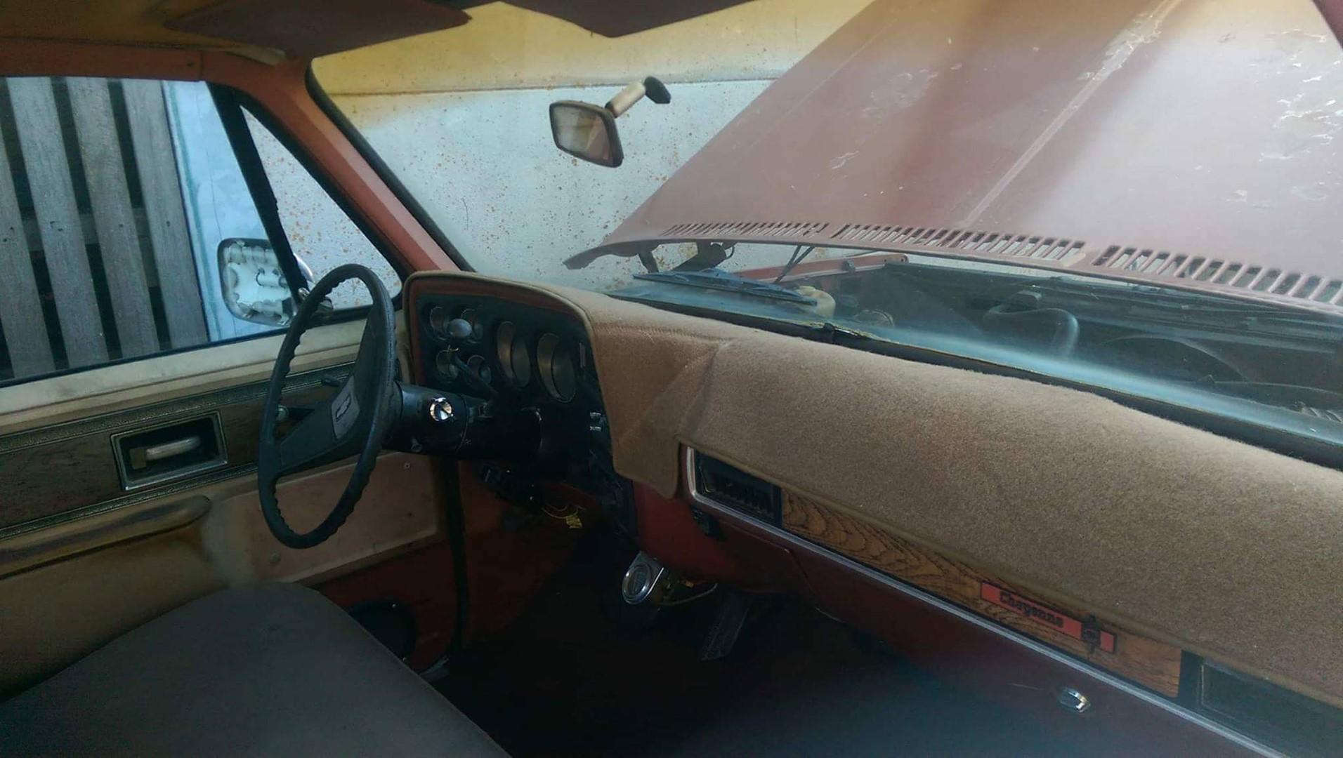 1977 Chevrolet Cheyenne 20 454ci (14)