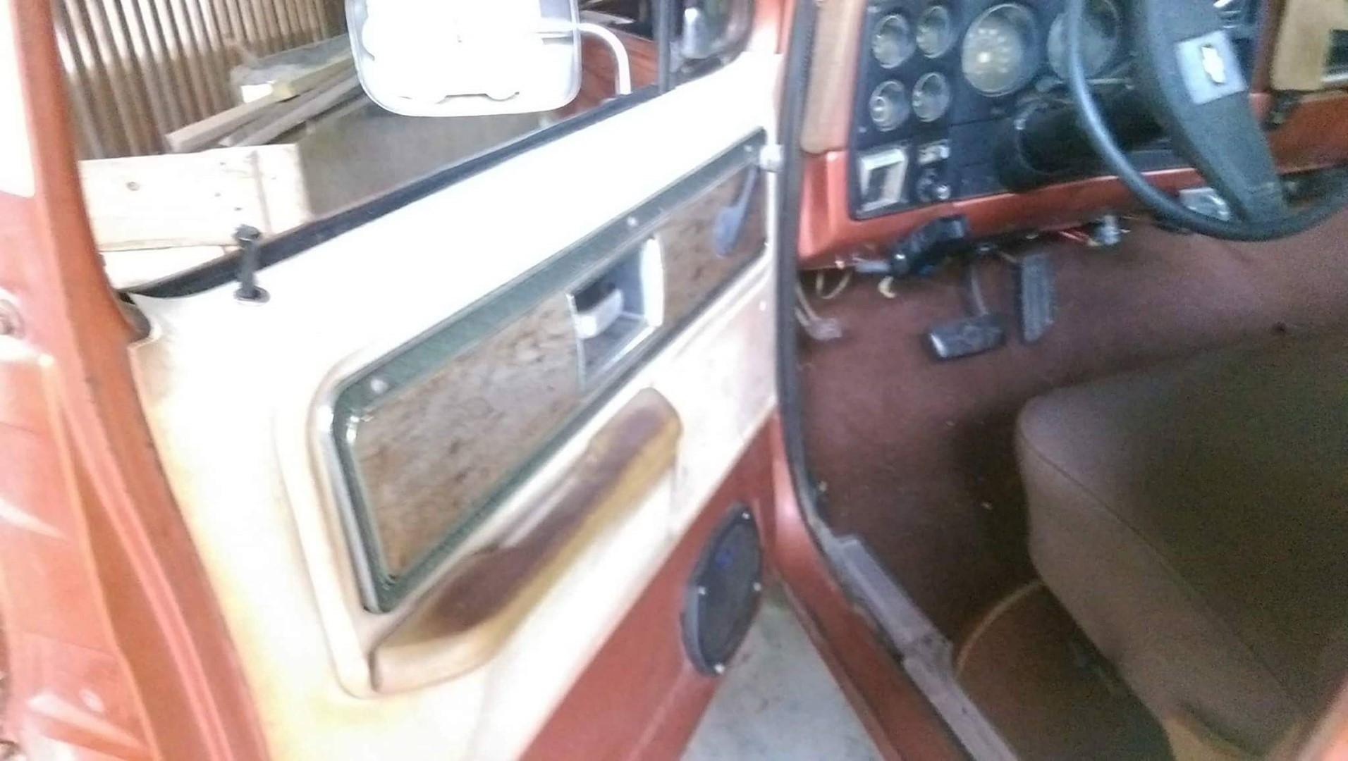 1977 Chevrolet Cheyenne 20 454ci (3)