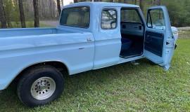 1977-Ford-F150-Custom-SuperCab-400m-V8-8