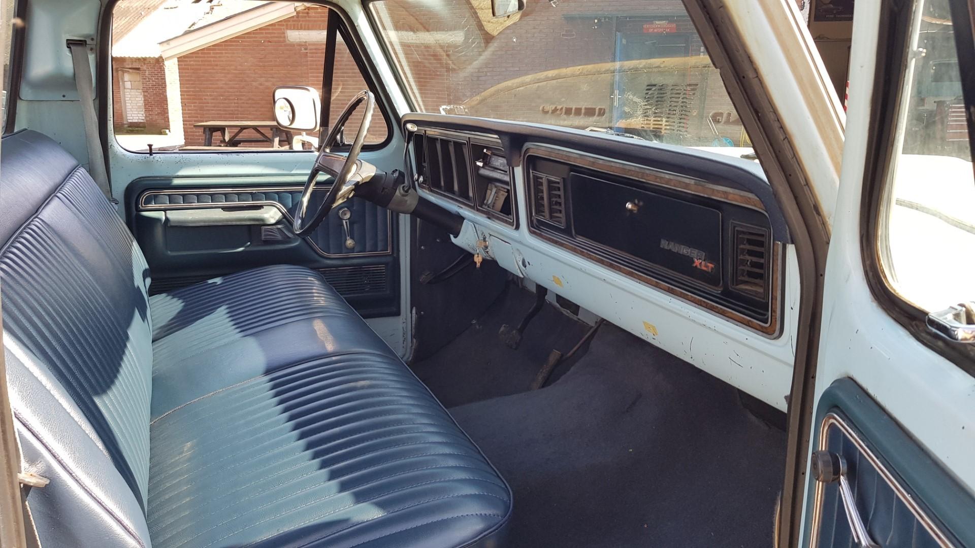 1977-Ford-F150-XLT-Ranger-400ci-V8-C6-Automatic-13