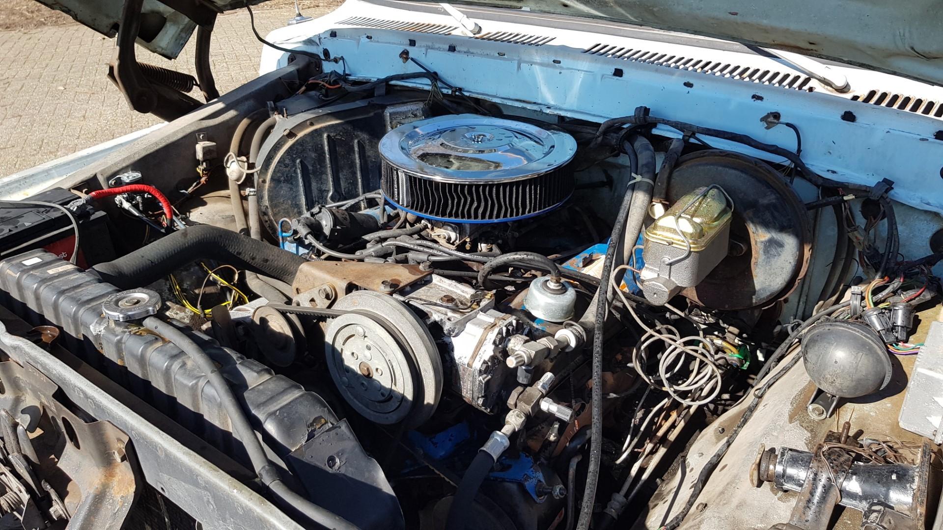 1977-Ford-F150-XLT-Ranger-400ci-V8-C6-Automatic-16