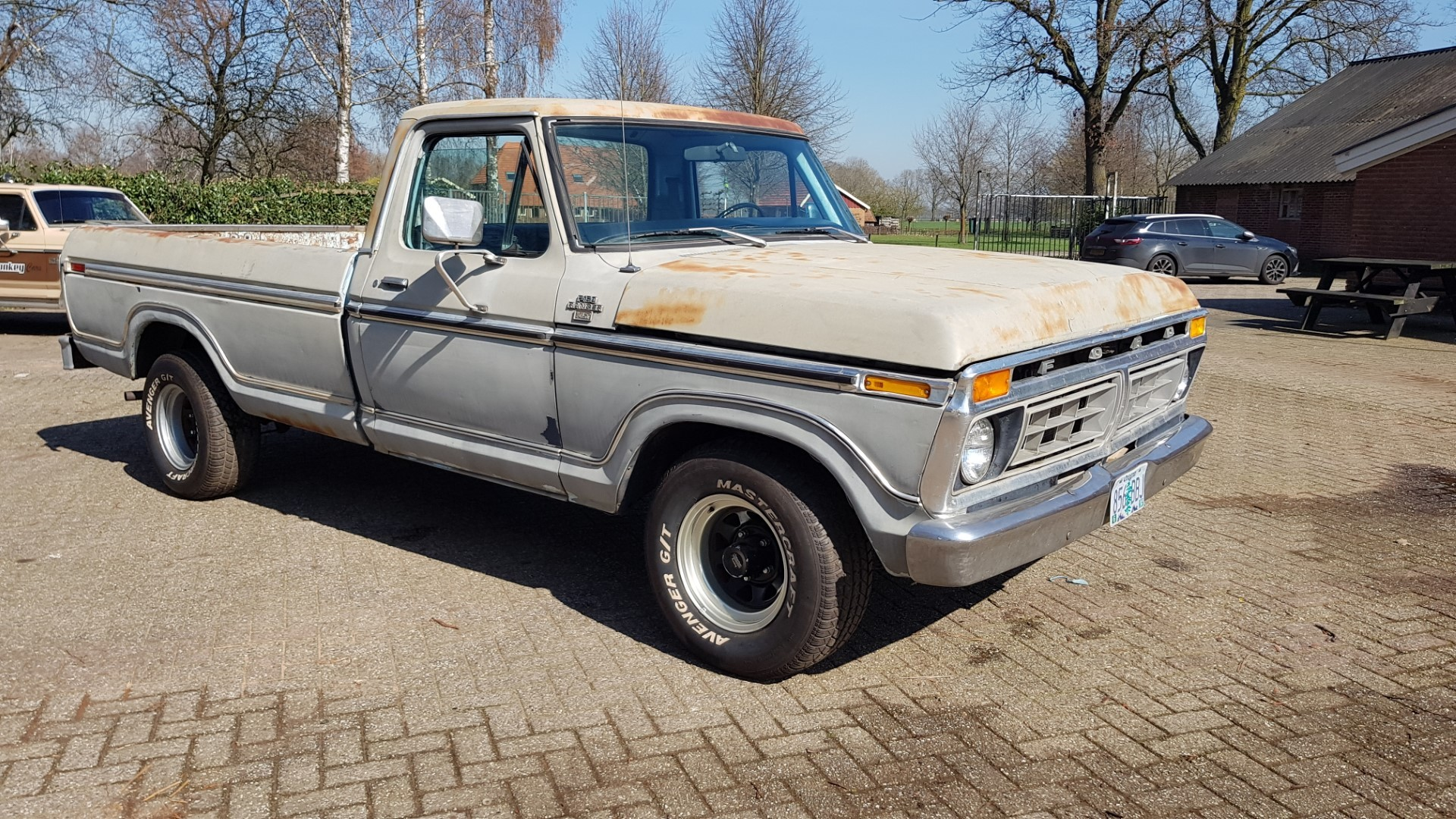 1977-Ford-F150-XLT-Ranger-400ci-V8-C6-Automatic-8