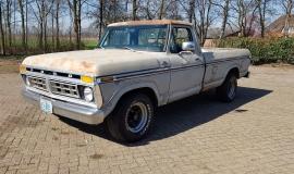 1977-Ford-F150-XLT-Ranger-400ci-V8-C6-Automatic-1