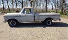 1977-Ford-F150-XLT-Ranger-400ci-V8-C6-Automatic-2