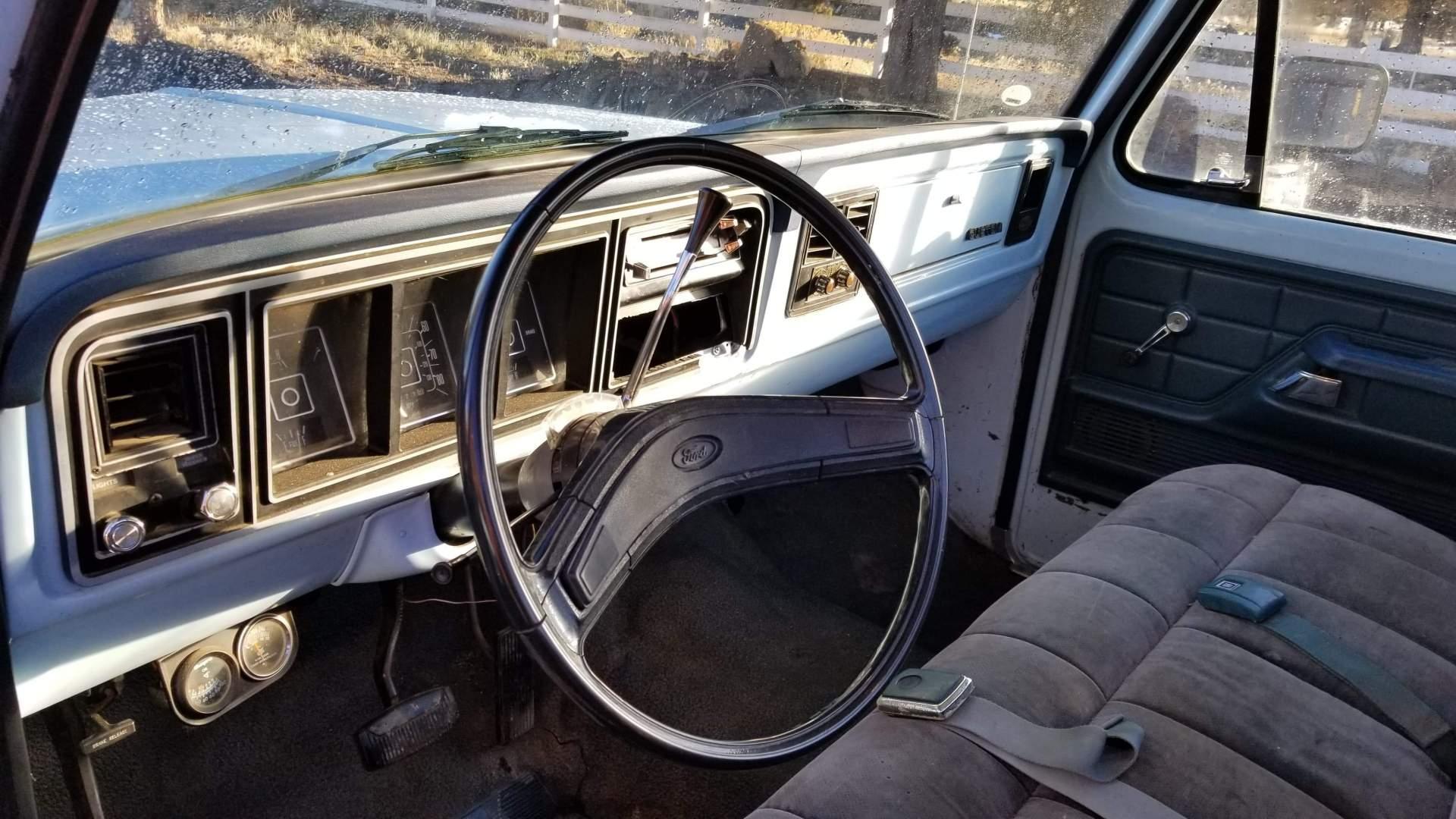 1977-Ford-F250-400ci-15