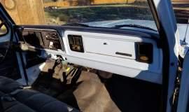 1977-Ford-F250-400ci-8