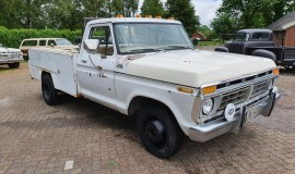 1977-Ford-F350-service-truck-460ci-8
