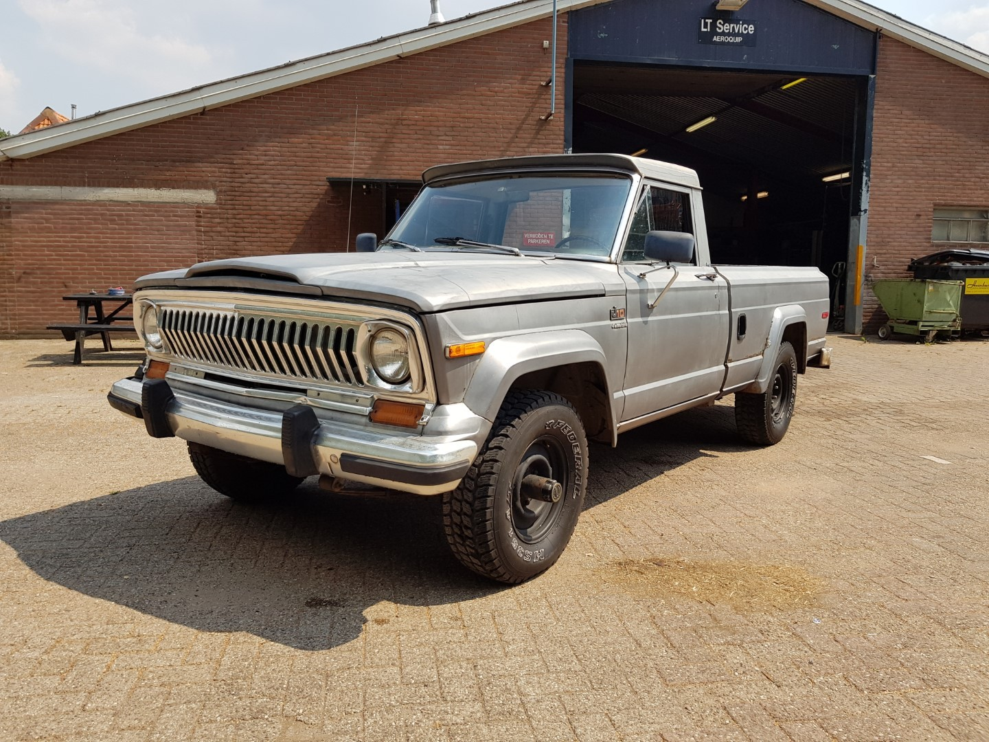 1978 Jeep J10 pickup 258ci (1)