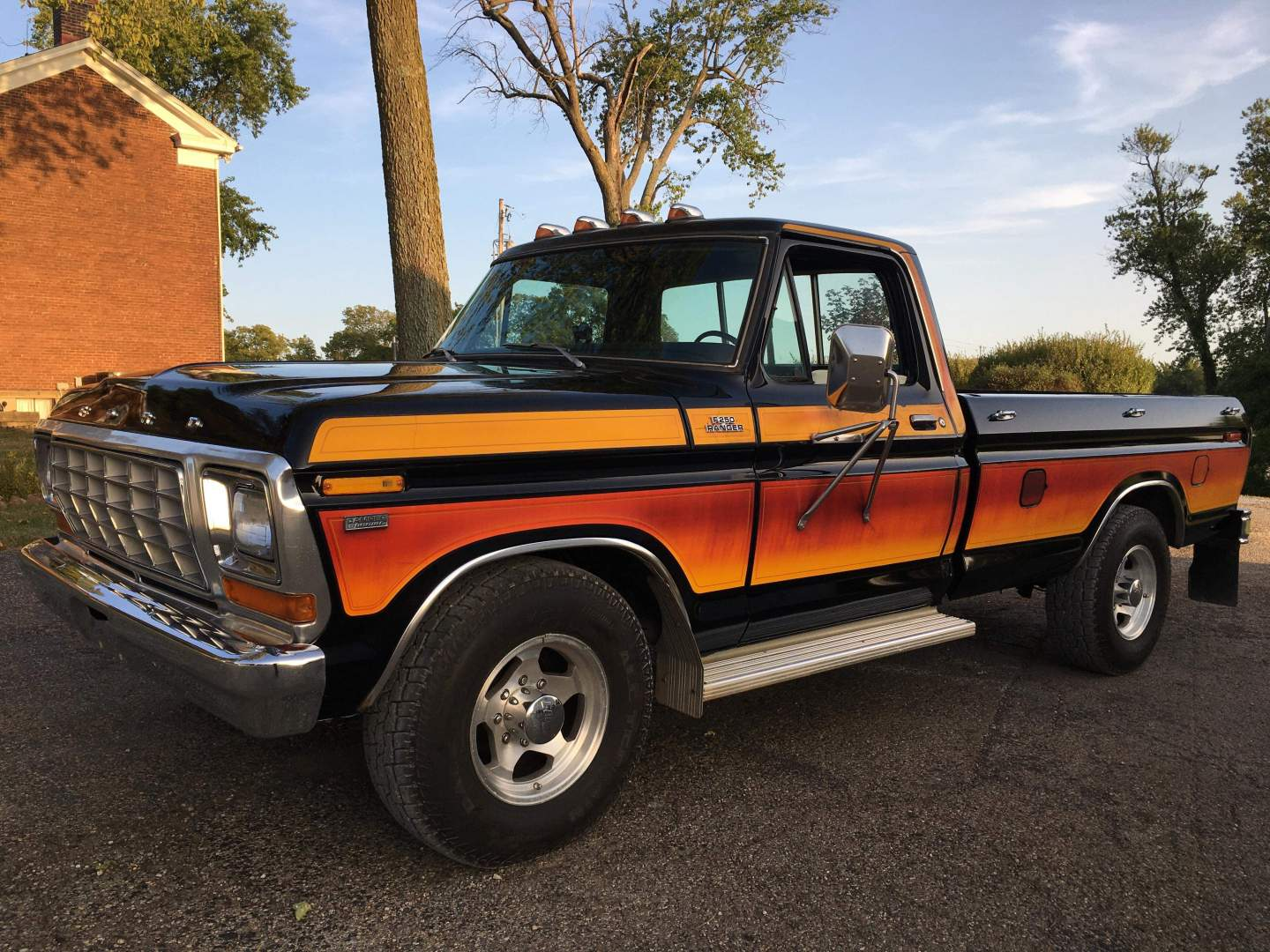 1979-Ford-F250-with-460ci-V8-and-automatic-34