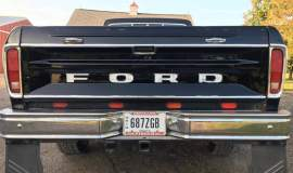 1979-Ford-F250-with-460ci-V8-and-automatic-29