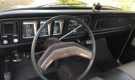 1979-Ford-F250-with-460ci-V8-and-automatic-6