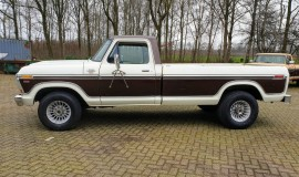 1979-Ford-F350-SuperCamperSpecial-400ci-2