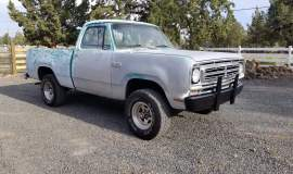 1980-Dodge-W100-shortbed-4x4-318ci-4-speed-1