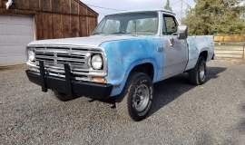 1980-Dodge-W100-shortbed-4x4-318ci-4-speed-14