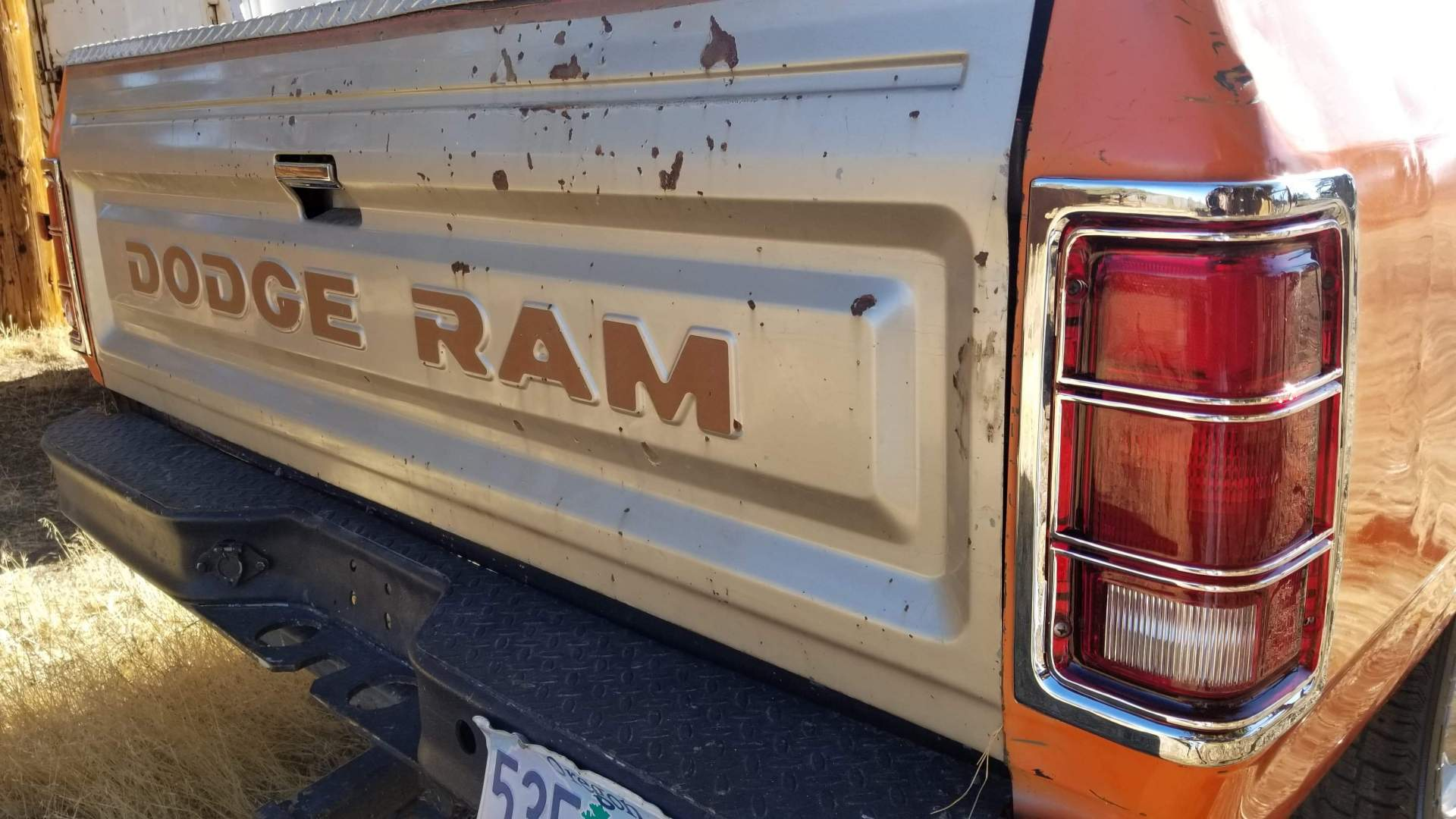 1982-Dodge-Ram-D20-318ci-V8-24