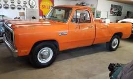 1982-Dodge-Ram-D20-318ci-V8-1