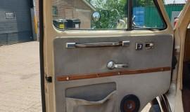 1983-Chevy-Lowtop-Van-5.0L-V8-10