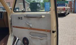 1983-Chevy-Lowtop-Van-5.0L-V8-12