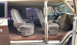 1983-Chevy-Lowtop-Van-5.0L-V8-13