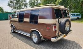 1983-Chevy-Lowtop-Van-5.0L-V8-3