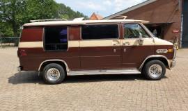1983-Chevy-Lowtop-Van-5.0L-V8-6