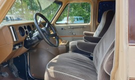 1983-Chevy-Lowtop-Van-5.0L-V8-9