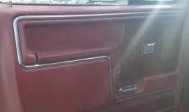 1983-Ford-Bronco-XLT-Lariat-4x4-351w-11
