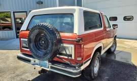 1983-Ford-Bronco-XLT-Lariat-4x4-351w-17