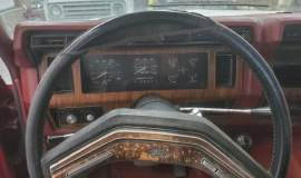 1983-Ford-Bronco-XLT-Lariat-4x4-351w-5