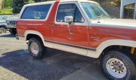 1983-Ford-Bronco-XLT-Lariat-4x4-351w-7