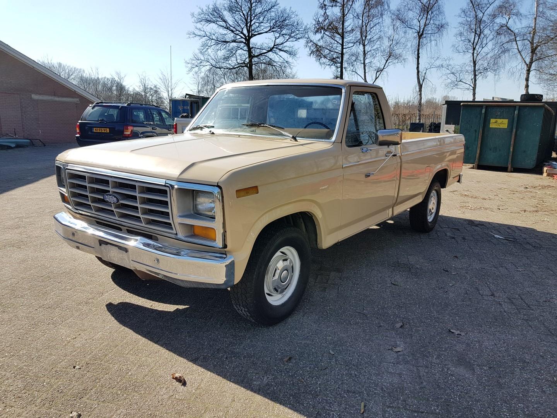 1983 ford f150 302ci v8 1