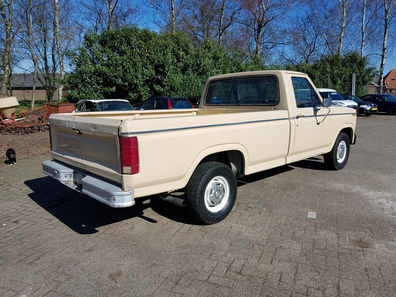 1983 ford f150 302ci v8 5