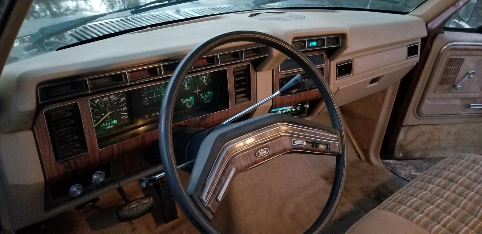 1983 Ford F250 351ci - C6 (1)