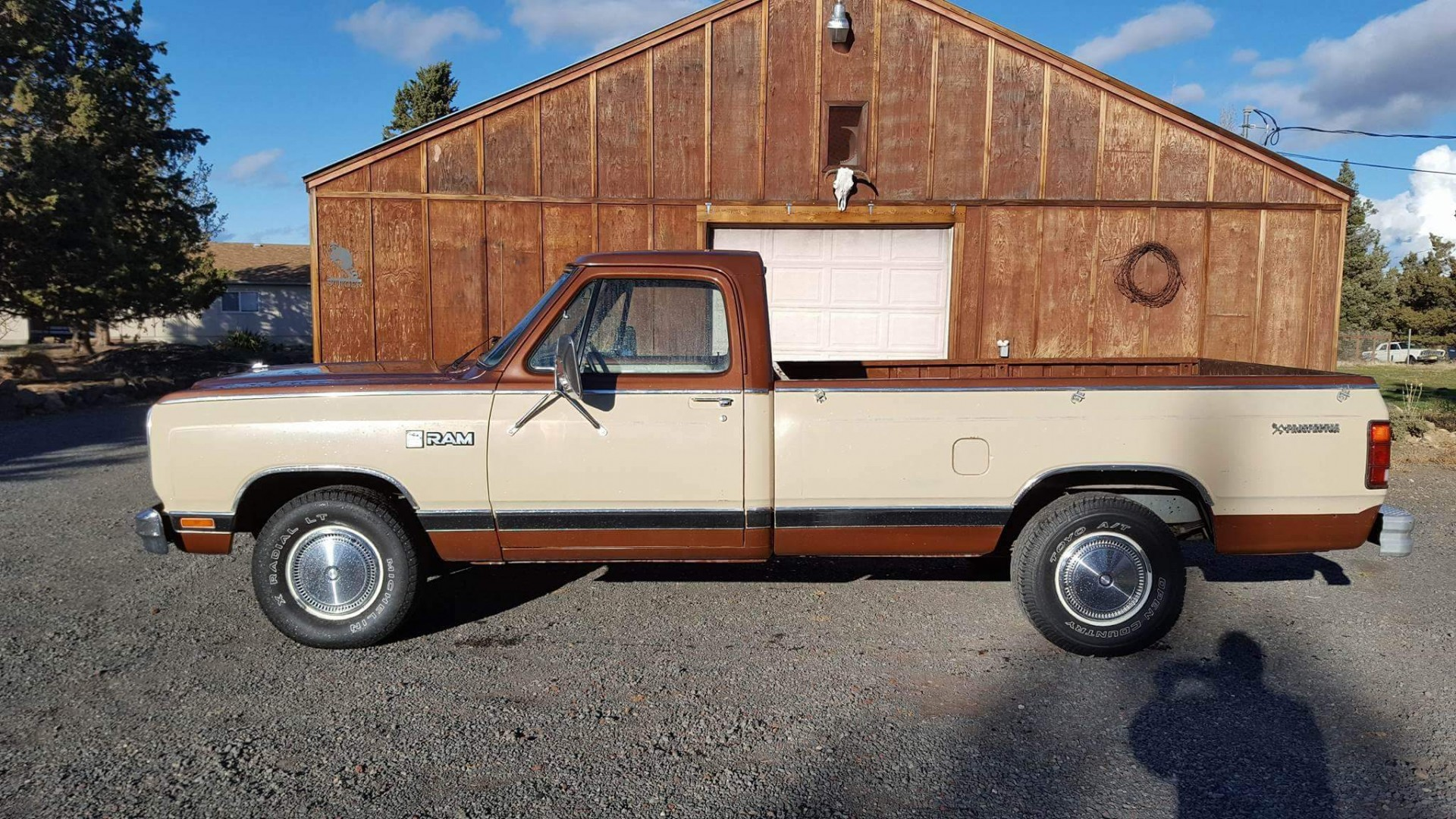 1984 dodge ram pickup with 318ci v8 speed monkey cars. Black Bedroom Furniture Sets. Home Design Ideas