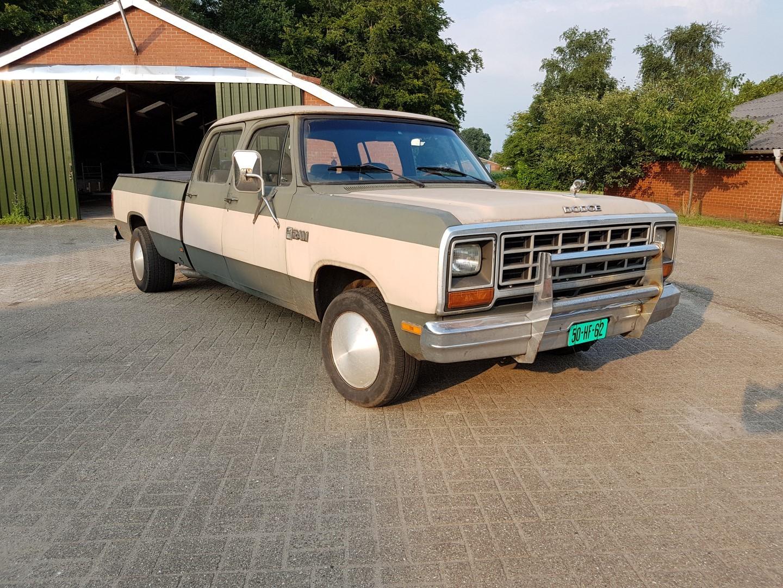 1985 Dodge Ram D350 (17)