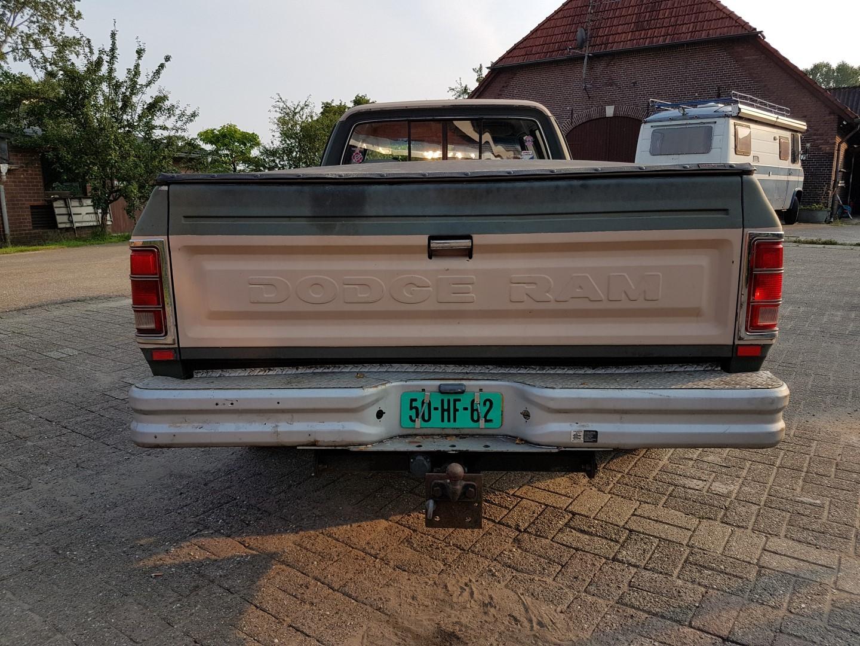 1985 Dodge Ram D350 (20)