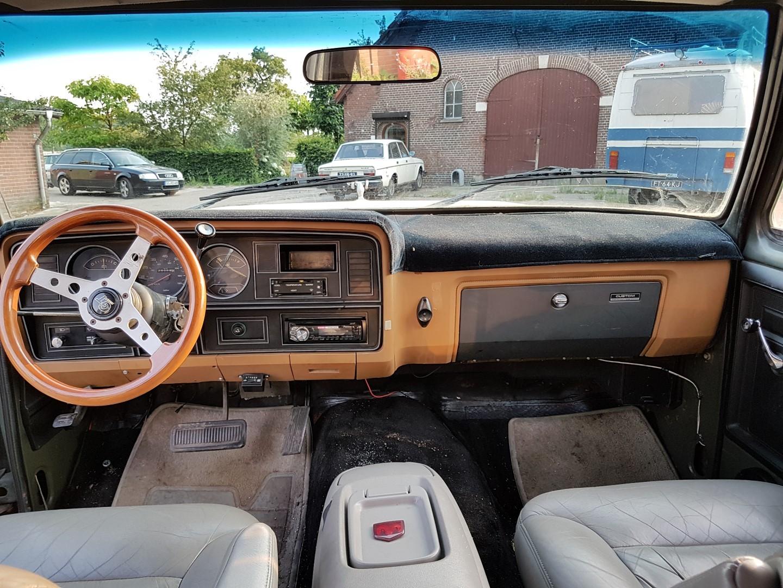1985 Dodge Ram D350 (25)