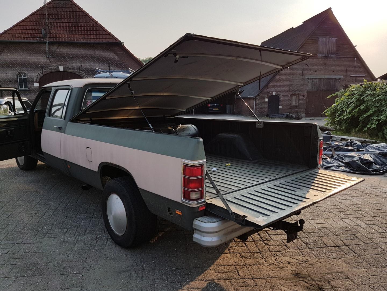 1985 Dodge Ram D350 (32)