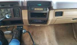 1985-Ford-Bronco-4x4-Eddie-Bauer-351ci-V8-automatic-12