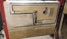 1985-Ford-Bronco-4x4-Eddie-Bauer-351ci-V8-automatic-17